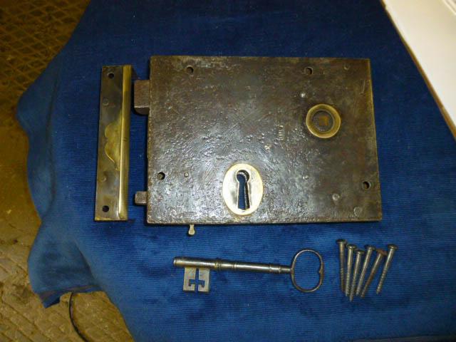 Large rim lock
