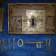 Front door rim lock