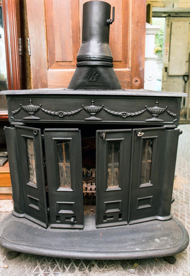 Free standing stove