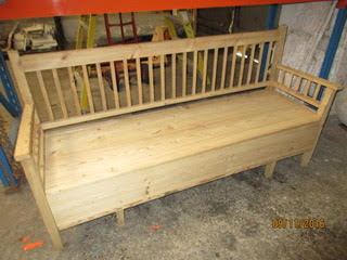 Pine bench/blanket box