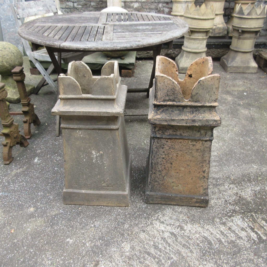 Set of 5 crown chimney pots